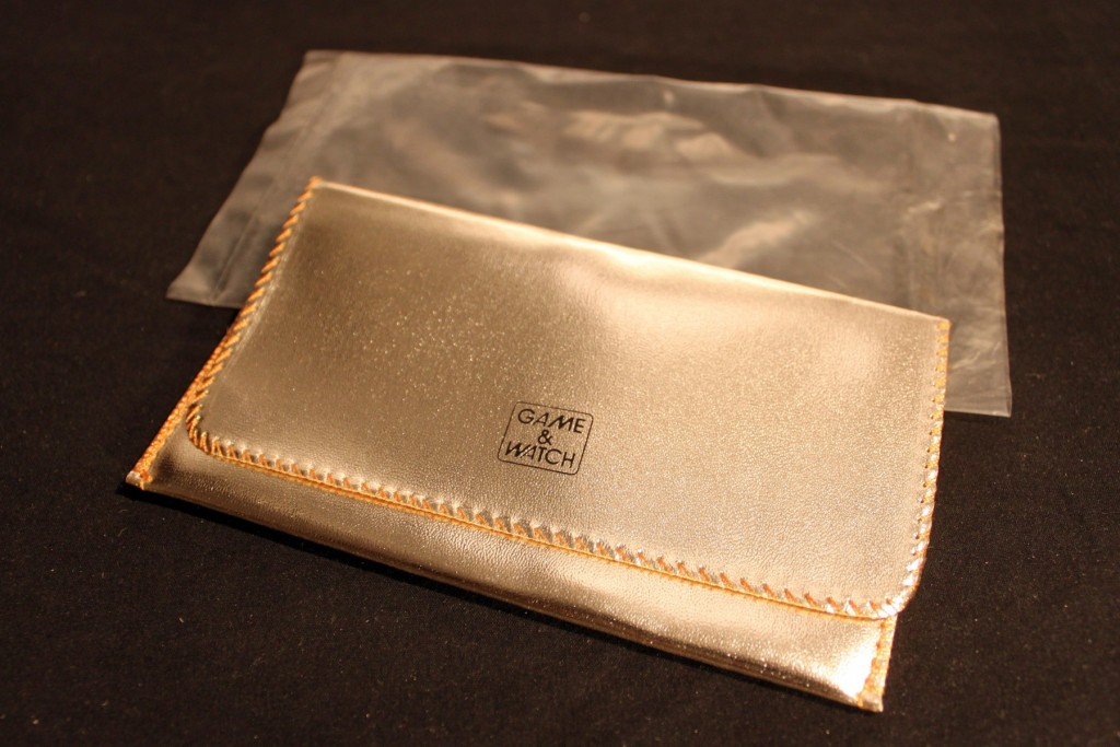 Pouch silver